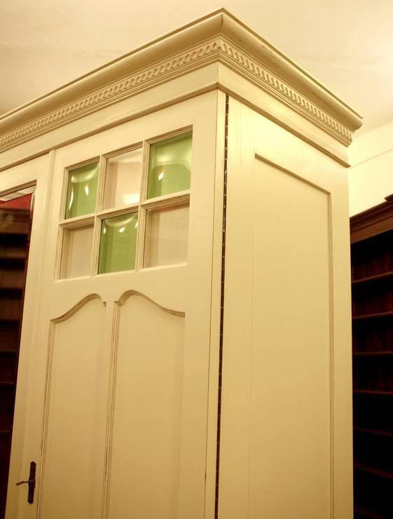 shabby chic kleiderschrank in wei um 1920 hbt 206x193x66cm ebay. Black Bedroom Furniture Sets. Home Design Ideas